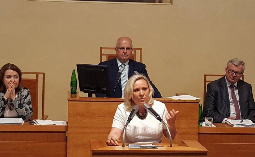 Ohýbání pravidel jednání na Praze 10